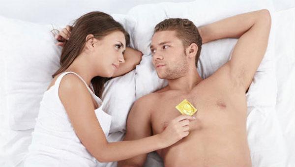 Bao cao su kéo dài thời gian quan hệ có thực sự tốt không