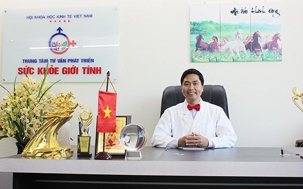 Chuyên gia Nguyễn Bá Toàn – Giám đốc trung tâm tư vấn phát triển Sức khỏe giới tính